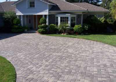 genesis-driveway-3-grey-charcoal-antique-cobble_orig