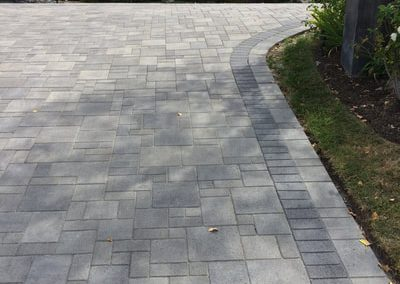 genesis-driveway-5-courtyard-grey-charcaol-charcoal-border
