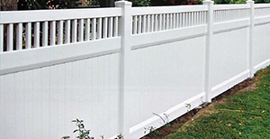 Genesis_Fence_1_Vinyal_Privacy_Fence_with_Accent_Top_White