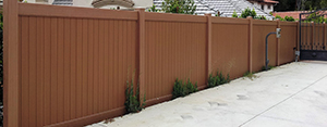 Genesis_Fence_2_Vinyal_Duragrain_Privacy_Cedar_ with_Accent_Top