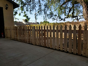 Genesis_Fence_8_Natural_Wood_Picket_Cedar_French_Gothic_Fence