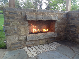 Genesis_Utilities_04_Outdoor-Stone_gas-fireplace_patio-fireplace
