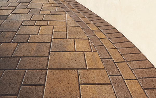 Image of Angelus Pavers, an illustration of light and shadow affecting the color of the stones.